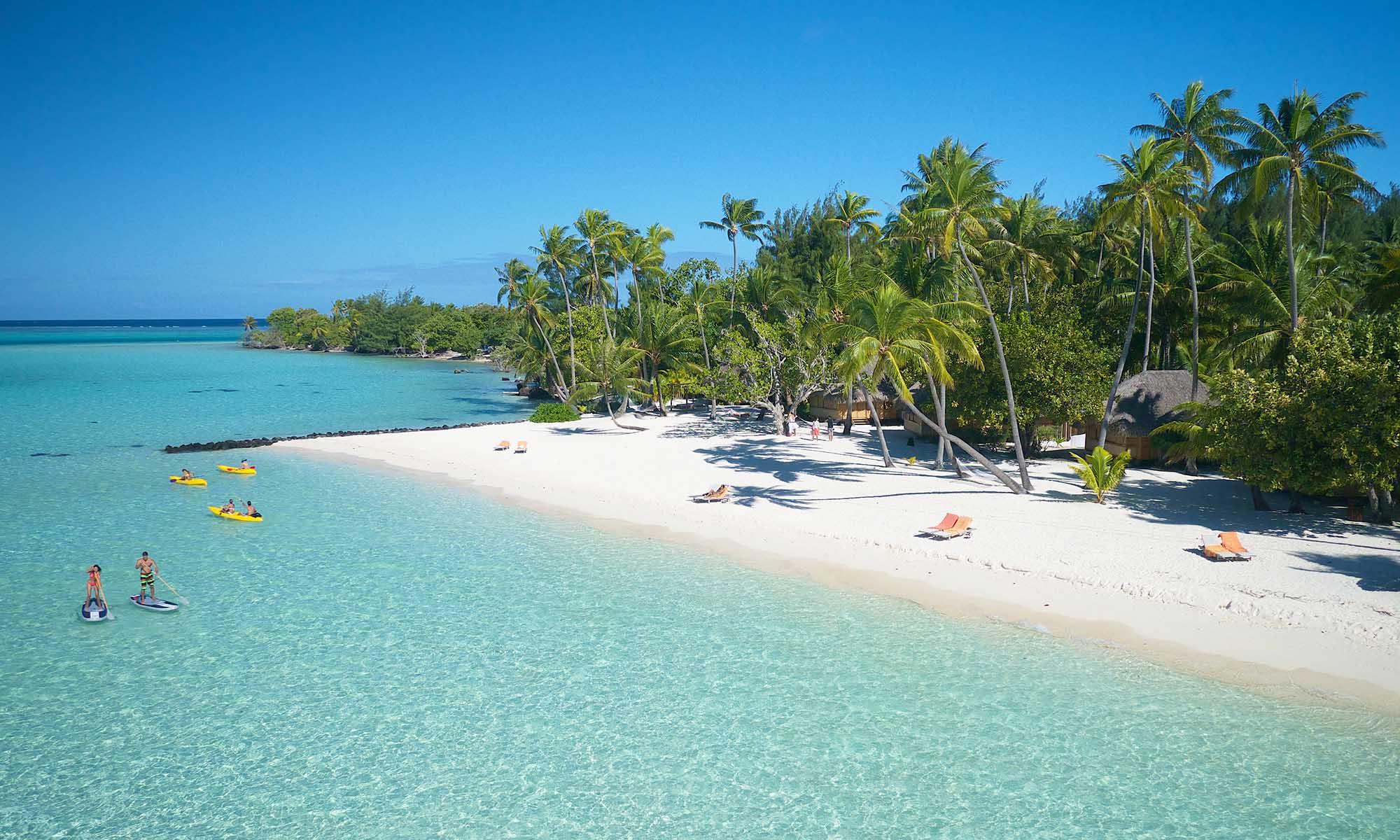 Bora-Bora-Pearl-Beach-medeni-mesec